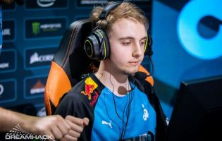 Cloud9 acquista floppy per il suo roster di Counter-Strike