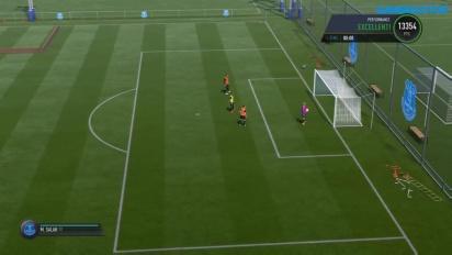 FIFA 17 - Come passare e fare dribbling